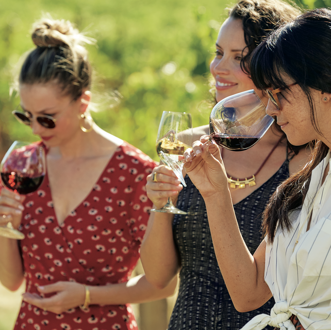 Sonoma-Cutrer And Woodford Reserve Celebrate Friendsgiving Through Partnership With No Kid Hungry photo