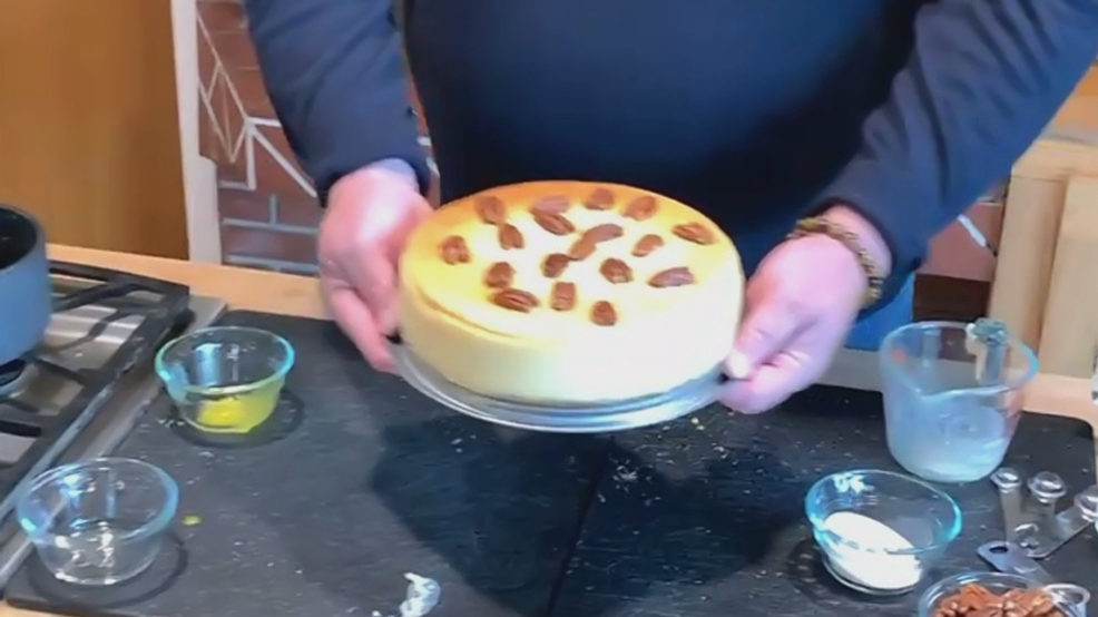 Praline Pecan Cheesecake With Frangelico photo