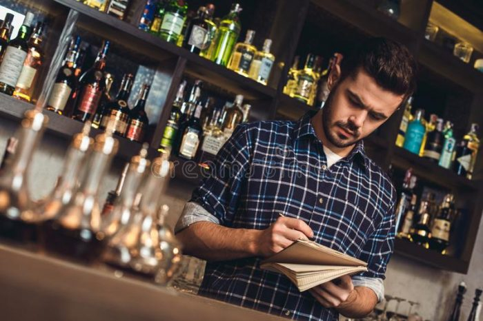 how to become a bartender  drinksfeed