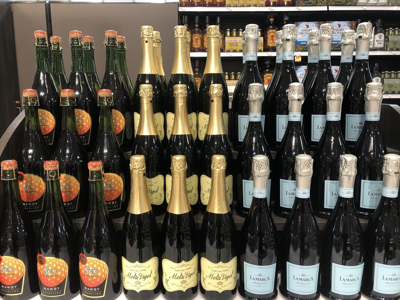 Yes, Michigan Makes Great Bubbly: 17 Sparkling Wines To Usher In The New Year photo