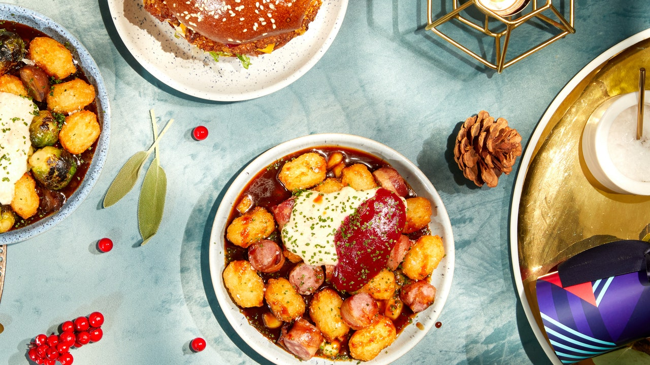 "Recipe Of The Week: Giz ""n"" Green's Pigs In Blankets Poutine photo"