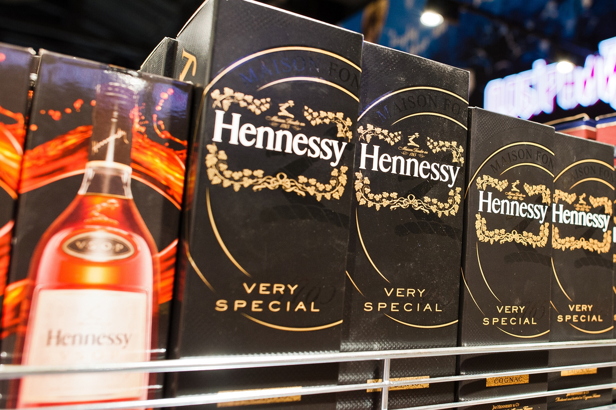 Cognac Producer Plans Wind Powered Deliveries As Hennessy Collaborates With Neoline – Shipinsight photo
