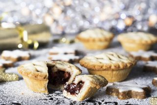 #countdowntochristmas: Which Mince Pies Should You Spend Your Money On? (video) photo