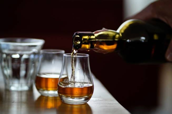 Whisky 101 For Dummies: Single Malt V/s Single Grain, Peated V/s Unpeated, And Many More Questions answered photo