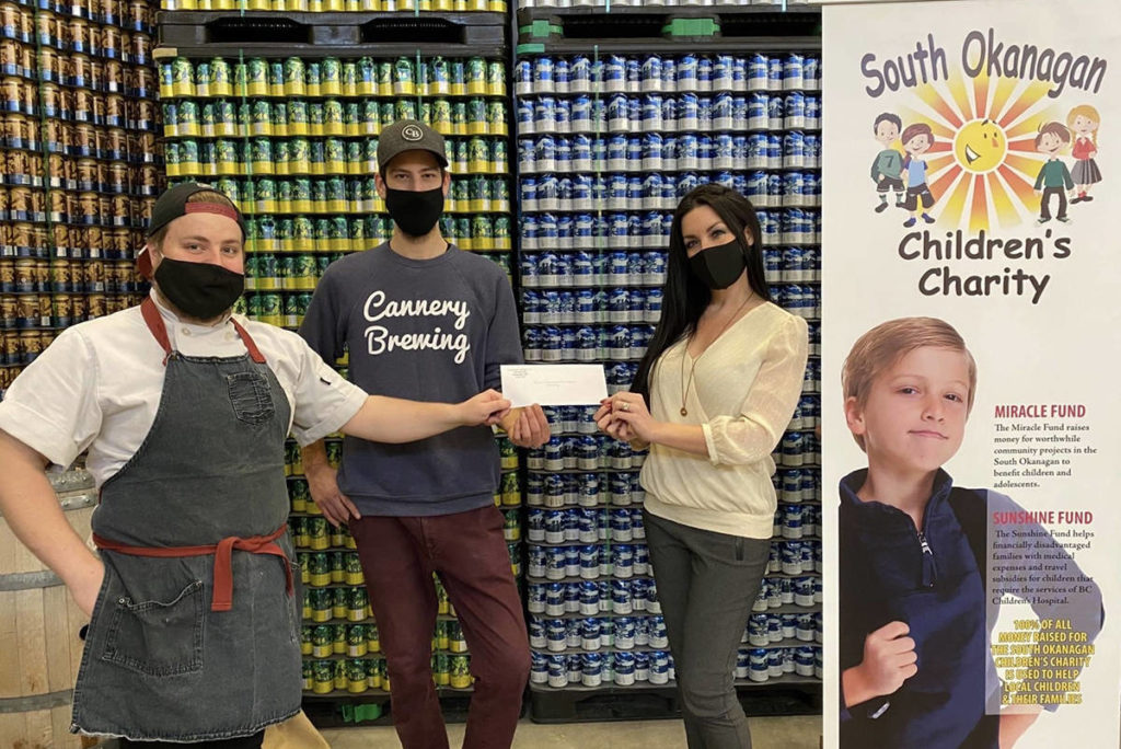 Children's Charity Benefits From Cannery Brewing's Photos With Santa photo
