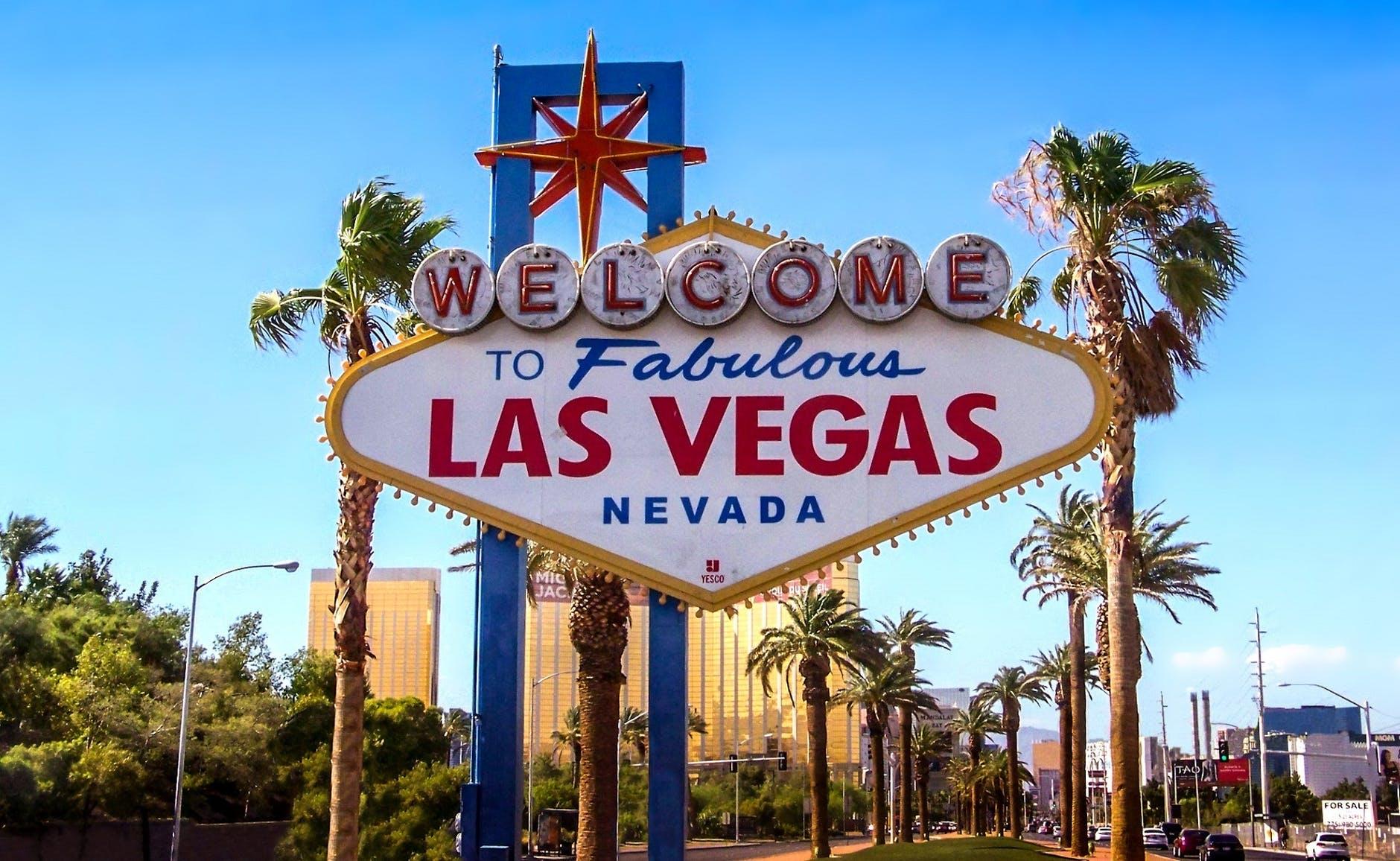 Travel Guide To Famous Las Vegas Sites photo