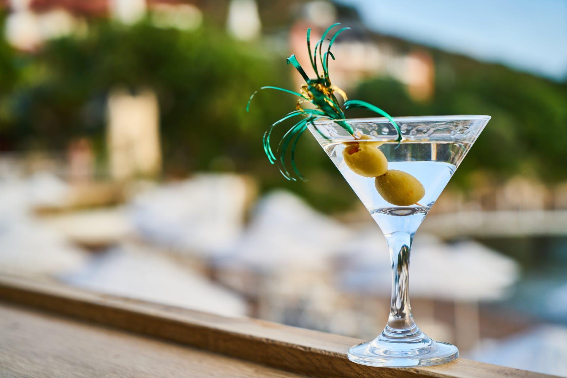 How To Make A Non-Alcoholic Vodka Martini photo