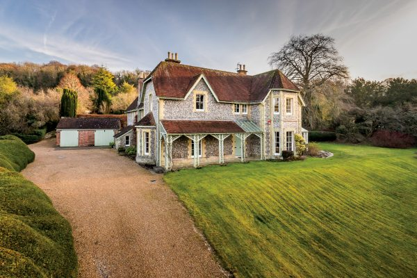 An Edwardian House With Swimming Pool And Wine Cellar, In The Village Known As 'the Cradle Of Cricket' photo