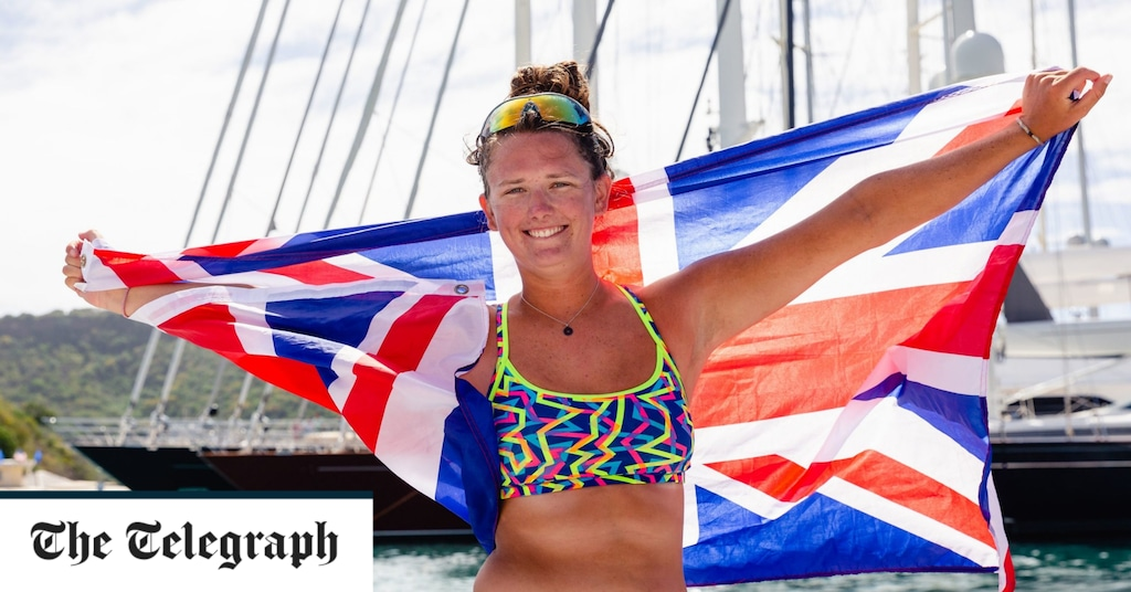 British Woman Becomes Youngest Female To Row Solo Across The Atlantic photo