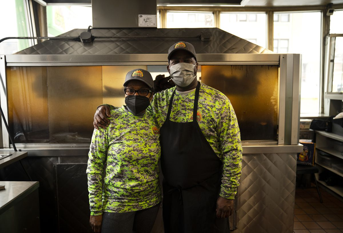 Lem's Bar-b-q Thrives With Fire And Family — How Chicago's Black-owned Restaurants Are Faring During Pandemic photo