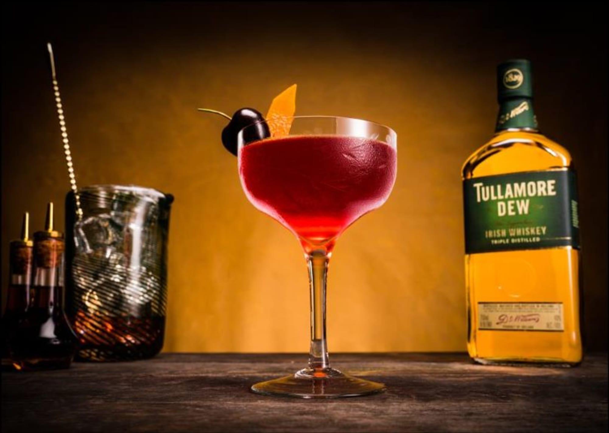 Cocktail Recipes To Make To Celebrate Mardi Gras & Ufc Vegas 19 photo