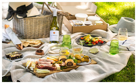 Celebrate Valentine's Day With A Picnic At La Motte photo