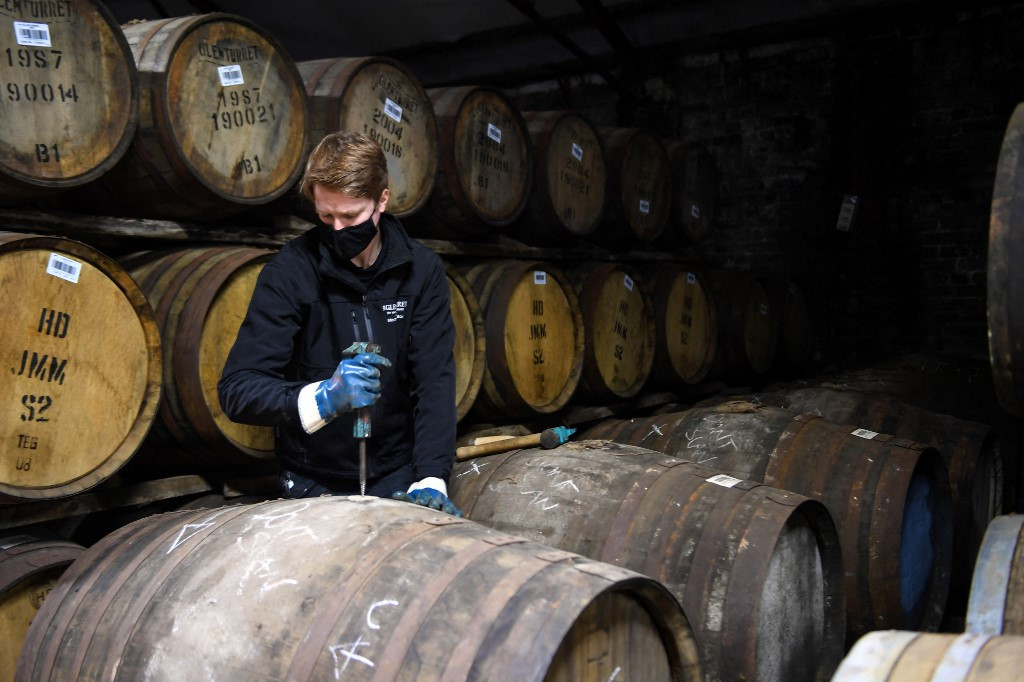 Scottish Distillery Looks To History To Lift Spirits photo