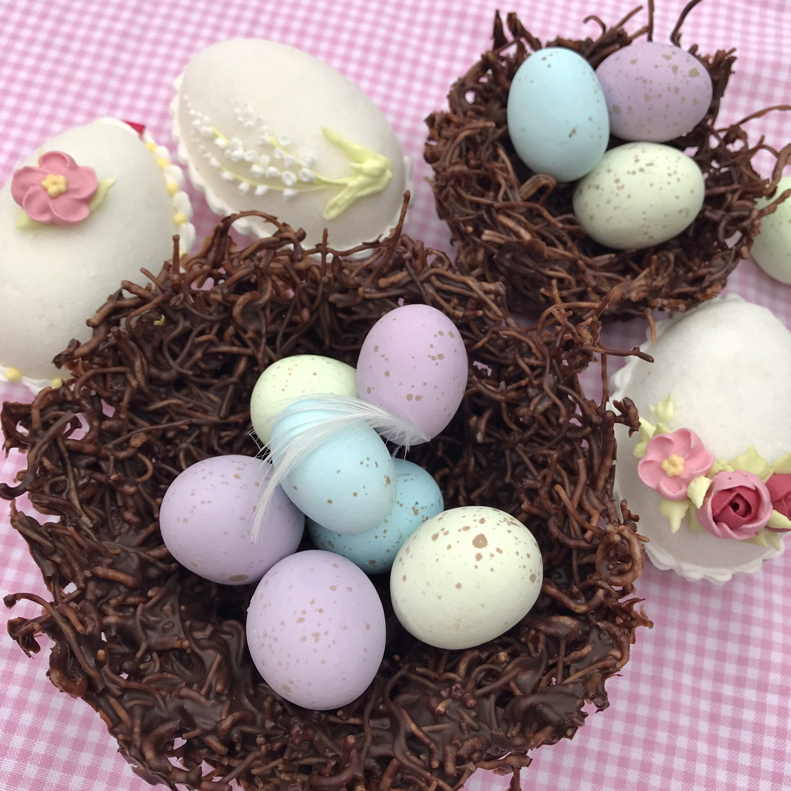 Make your Easter Egg-cellent! photo
