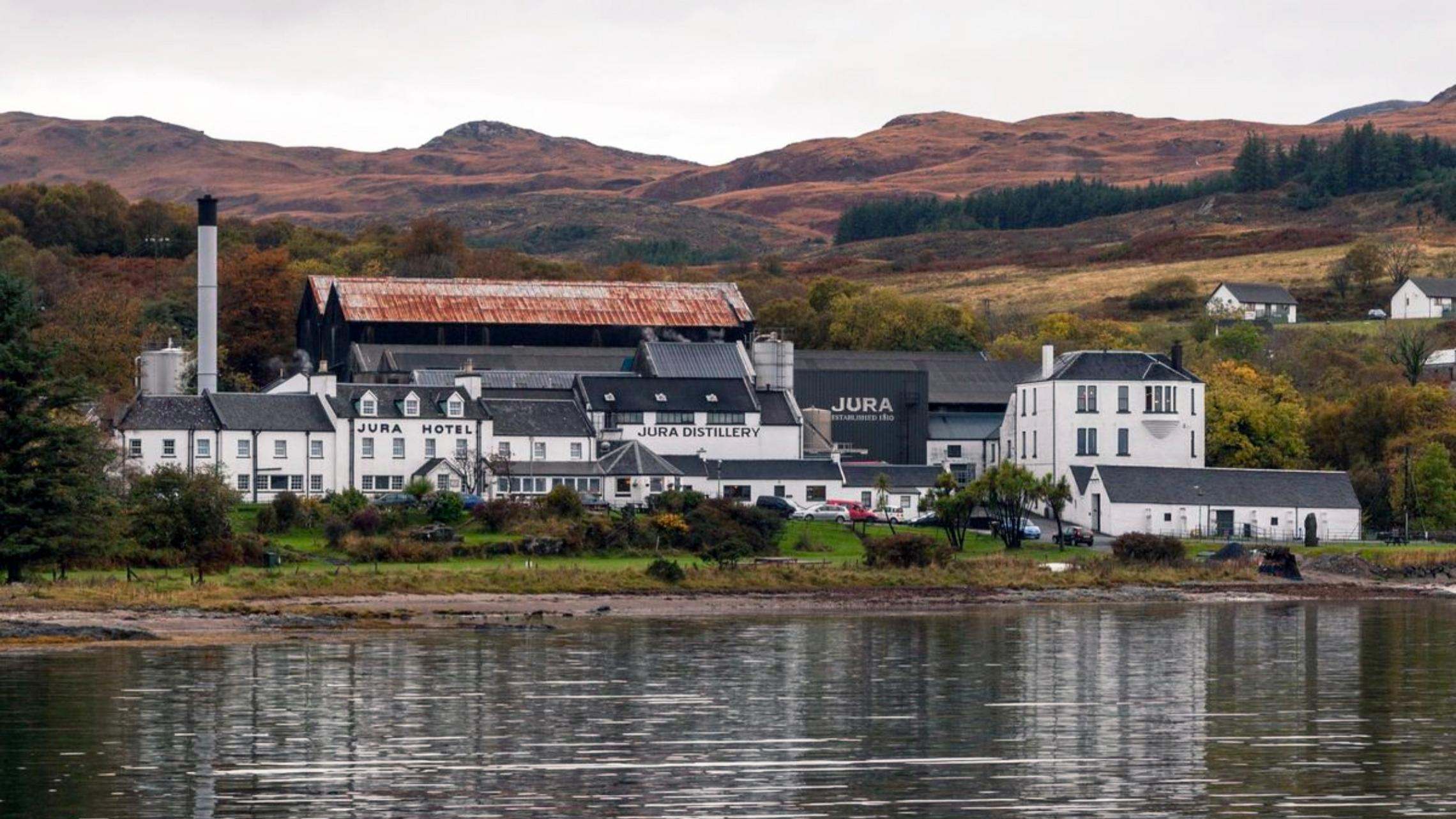 The Best Scotch Whiskies – And The Distilleries That Produce Them photo