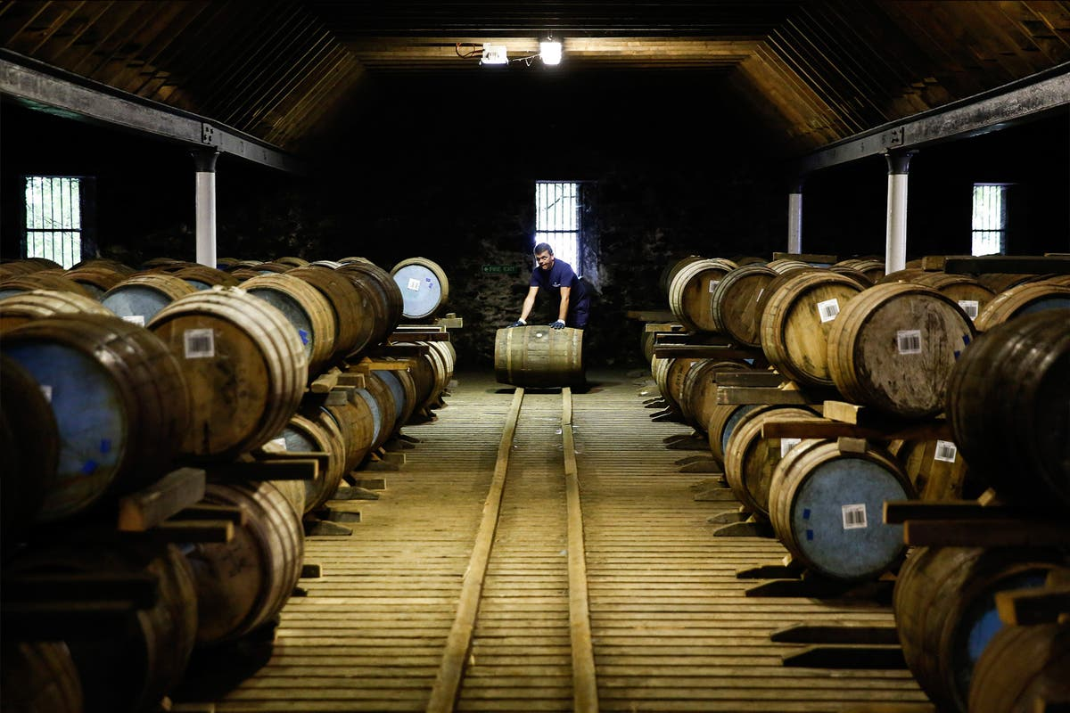 Johnnie Walker Maker Diageo Welcomes End To Us Whisky Tariffs photo