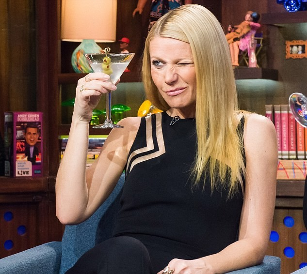 Gwyneth Paltrow Creates A Quinoa Whiskey Cocktail During Lockdown photo