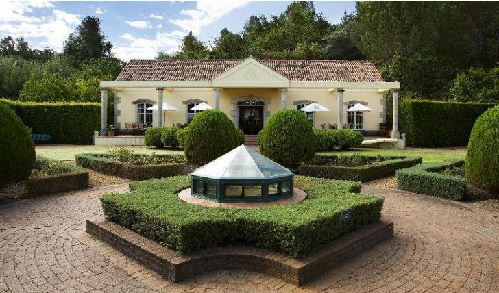 Historic Morgenhof Wine Estate To Be Auctioned For The First Time After 329 Years photo