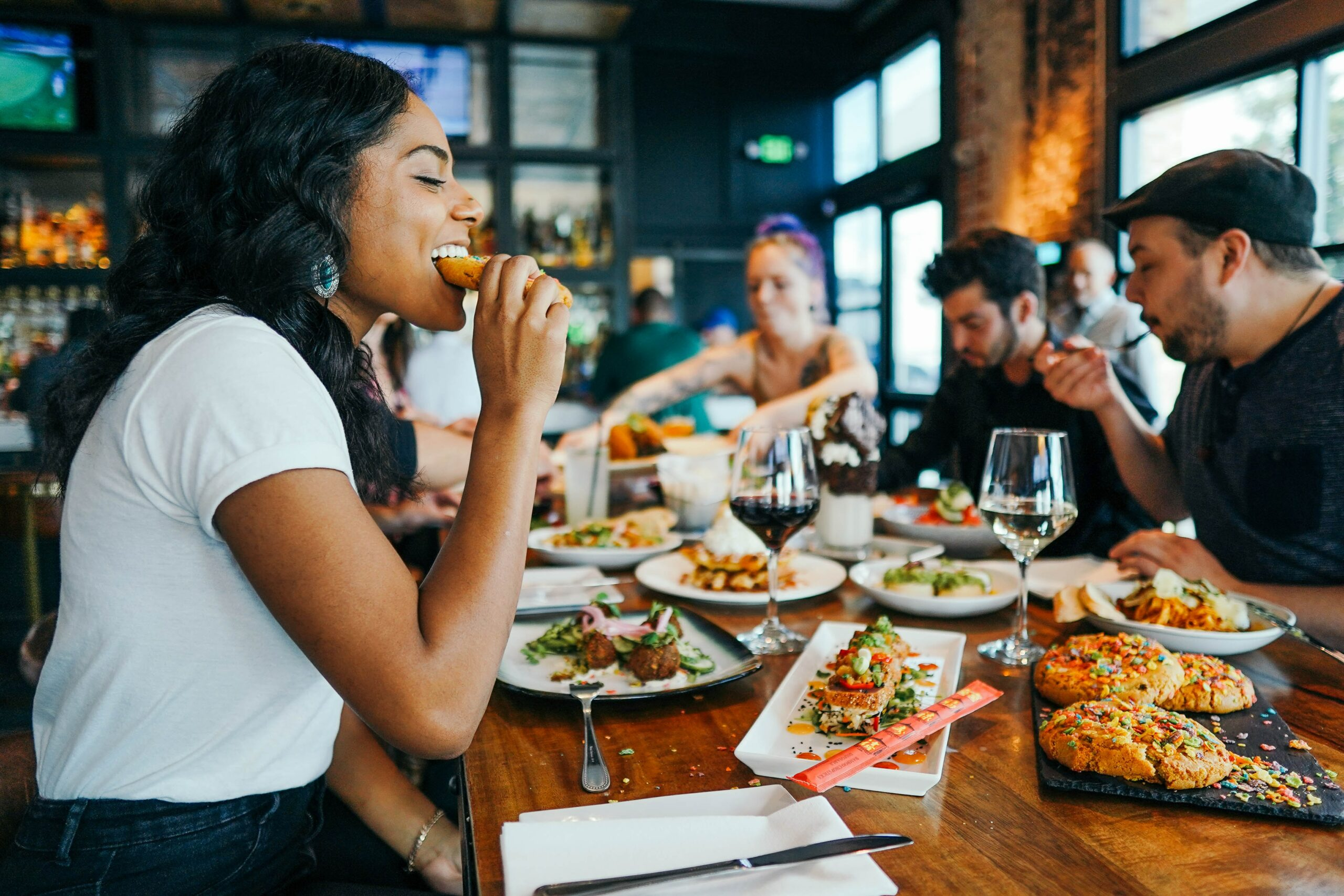 5 Tips For Dining Out When You're On A Diet photo